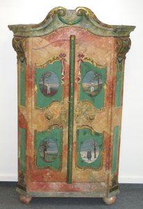 Auktion München Bauernschrank