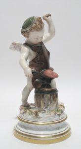 Auktion München Meißen Porzellanfigur Amor