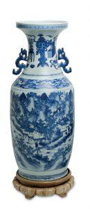 Auktionsergebnisse Scheublein Art & Auktionen, München, Kategorie Asiatika: chinesische Vase in Blaudekor
